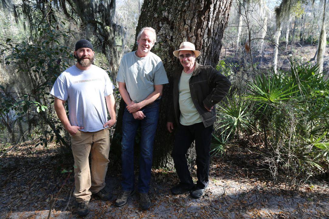 Eine neues Herausforderung wartet auf (v.l.n.r.) Ka-V, B'FER und Michael Garnier. Sie sollen ein Baumhaus für ganze vier Generationen bauen ... - Bildquelle: 2015, DIY Network/Scripps Networks, LLC. All Rights Reserved.