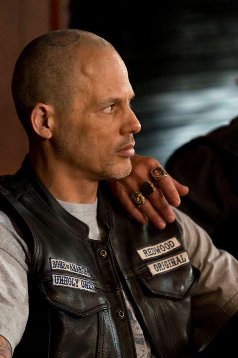 Auch Happy (David Labrava) ist klar, dass Clay seinen Thron nicht ohne weiteres aufgeben wird ... - Bildquelle: 2012 Twentieth Century Fox Film Corporation and Bluebush Productions, LLC. All rights reserved.