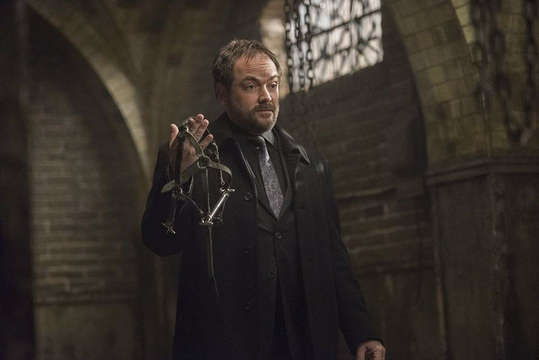 Crowley (Mark Sheppard) - Bildquelle: Dean Buscher 2016 The CW Network, LLC. All Rights Reserved/Dean Buscher / Dean Buscher