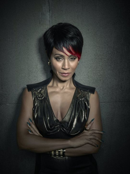 (1. Staffel) - Ist die Anführerin einer mächtigen Gangstervereinigung und untersteht in der Hirarchie der Gothamer Mafia: Fish Mooney (Jada Pinkett... - Bildquelle: Warner Bros. Entertainment, Inc.