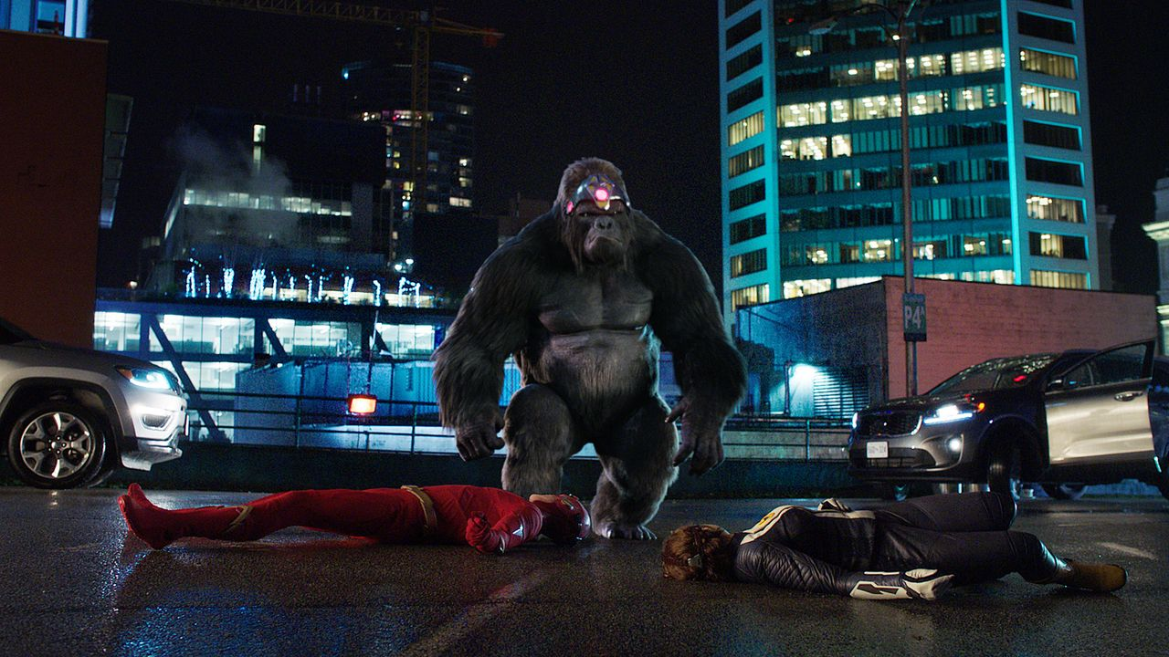 (v.l.n.r.) Barry alias The Flash (Grant Gustin); Gorilla Grodd; Nora alias XS (Jessica Parker Kennedy) - Bildquelle: 2018 The CW Network, LLC. All rights reserved.