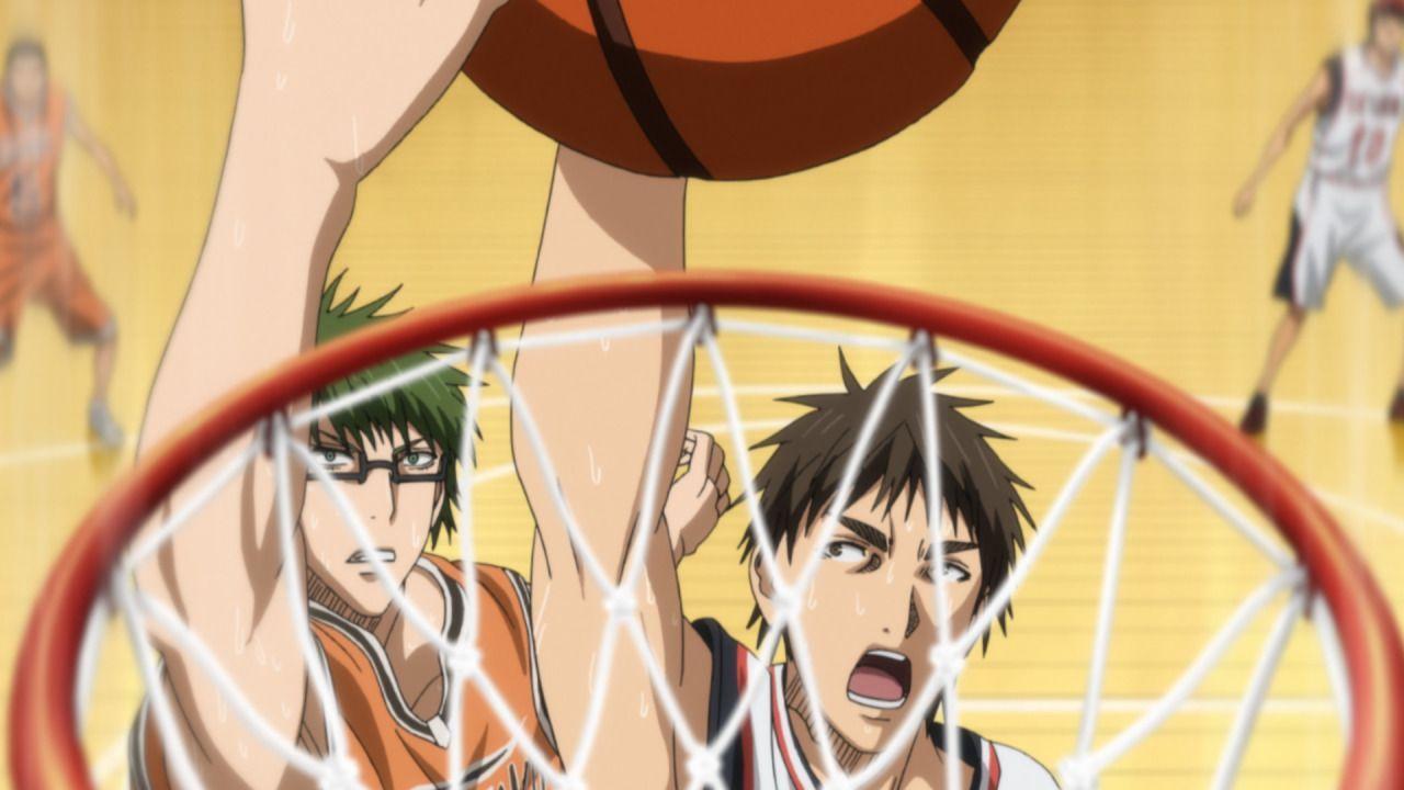 Mit Tetsuyas Unterstützung kämpft die Mannschaft der Seirin Oberschule weite... - Bildquelle: Tadatoshi Fujimaki/SHUEISHA, Team Kuroko