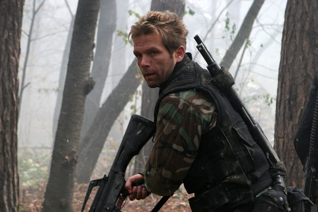Die Mission des Delta Force Teams (David Chokachi) soll in Afghanistan einen fanatischen arabischen Terroristen finden, der sich in einem Höhlenlaby... - Bildquelle: CPT Holdings, Inc. All Rights Reserved. (Sony Pictures Television International)
