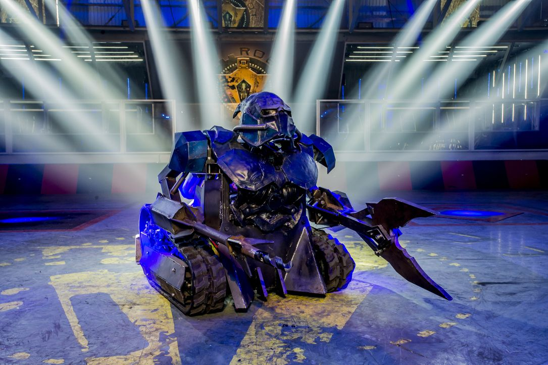 "Können die 40 Teams mit ihren selbst gebauten Robotern bei ""Robot Wars"" nicht nur einander besiegen, sondern auch gegen den Hausroboter Sir Killalot... - Bildquelle: Alan Peebles Licensed by Passion Distribution Ltd. / Alan Peebles"