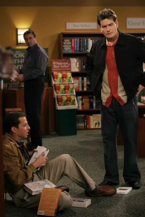 Alan (Jon Cryer, l.) befindet sich in einer tiefen Lebenskrise, die durch die Trennung von seinem Sohn Jake neuen Zündstoff erhält. Während eines Au... - Bildquelle: Warner Brothers Entertainment Inc.