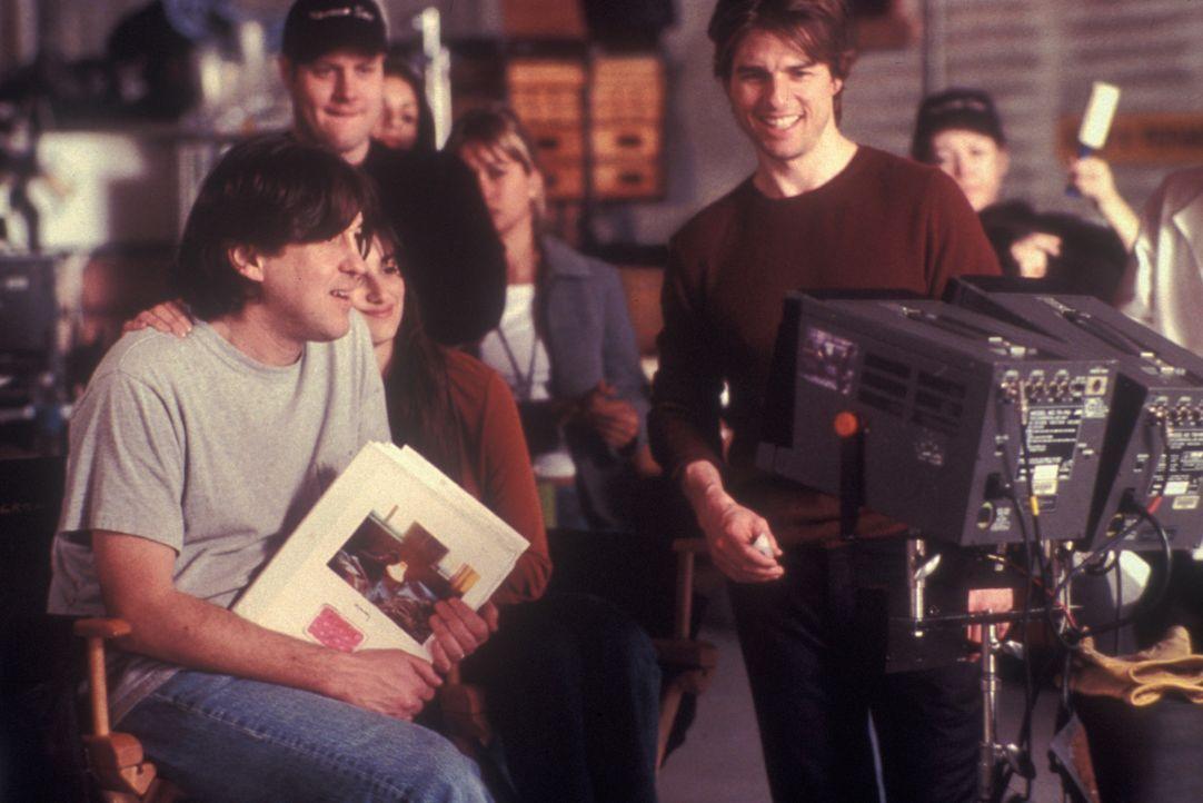 Regisseur Cameron Crowe (l.) und seine Hauptdarsteller Penélope Cruz (M.) und Tom Cruise (r.) - Bildquelle: Neal Preston Paramount Pictures