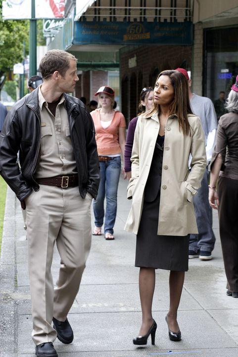Versuchen alles über Callister Raynes herauszufinden: Jack Carter (Colin Ferguson, l.) und Allison Blake (Salli Richardson-Whitfield, r.) ... - Bildquelle: Universal Television