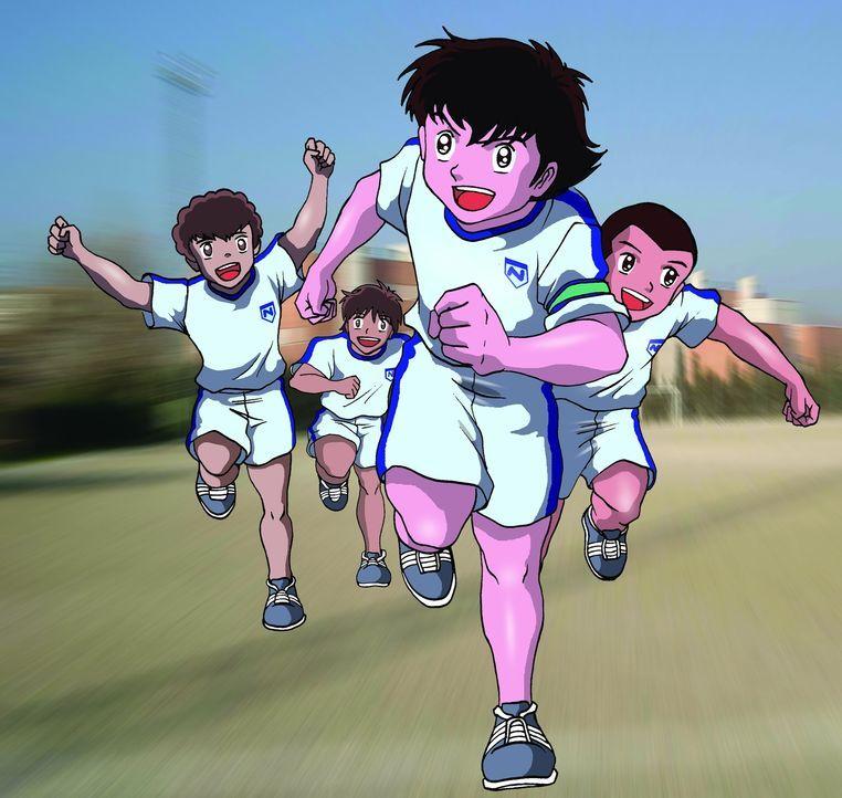 Kurz bevor Tsubasa (M.) tatsächlich zu einem wichtigen spanischen Club wechseln kann, erinnert er sich daran, wie damals in Japan alles mit dem Kick... - Bildquelle: 1983, 2012 YOUICHI TAKAHASHI·SHUEISHA· TV TOKYO·ENOKI FILMS