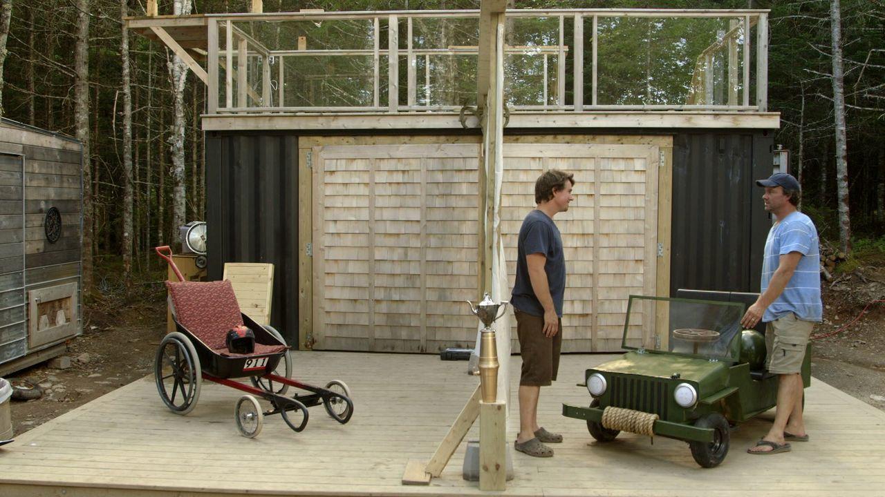 Auf Andrew (l.) und Kevin (r.) wartet eine neue Herausforderung. Sie wollen den perfekten Waagen für ein Seifenkistenrennen entwickeln ... - Bildquelle: Brojects Ontario Ltd./Brojects NS Ltd