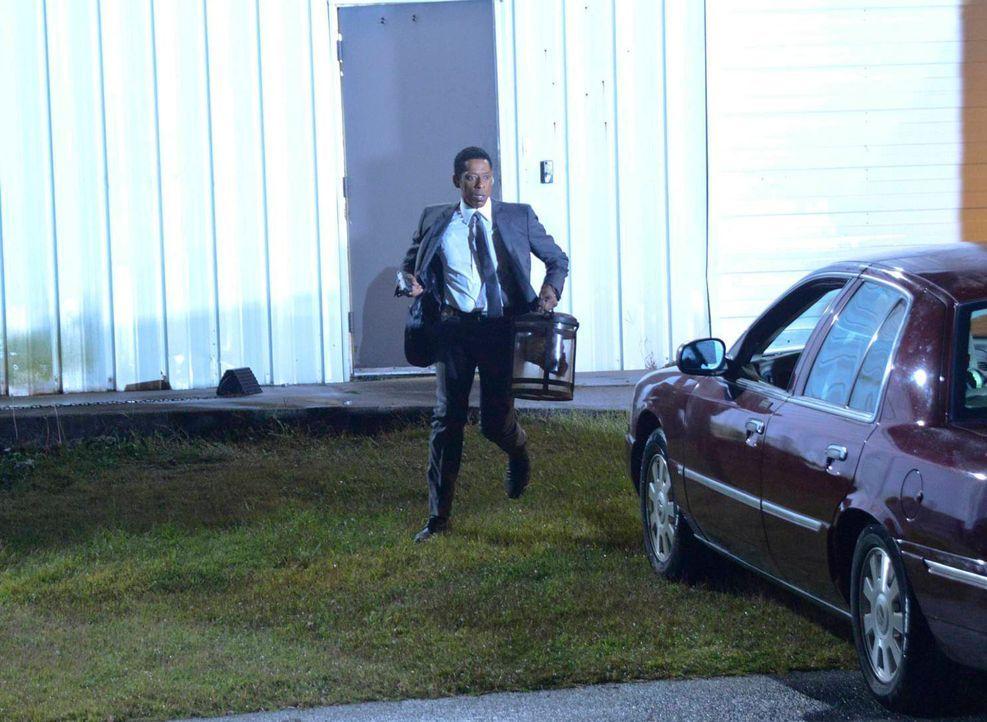 Kann gerade noch rechtzeitig dem kopflosen Reiter entkommen - doch Frank (Orlando Jones) ist weiter in Gefahr, denn das Böse gibt so schnell nicht a... - Bildquelle: 2013 Twentieth Century Fox Film Corporation. All rights reserved.
