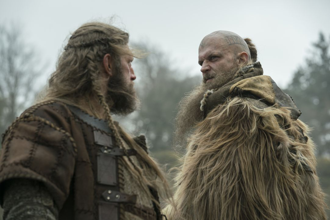 Kjetill (Adam Copeland, l.); Floki (Gustaf Skarsgård, r.) - Bildquelle: 2017 TM PRODUCTIONS LIMITED / T5 VIKINGS V PRODUCTIONS INC. ALL RIGHTS RESERVED.