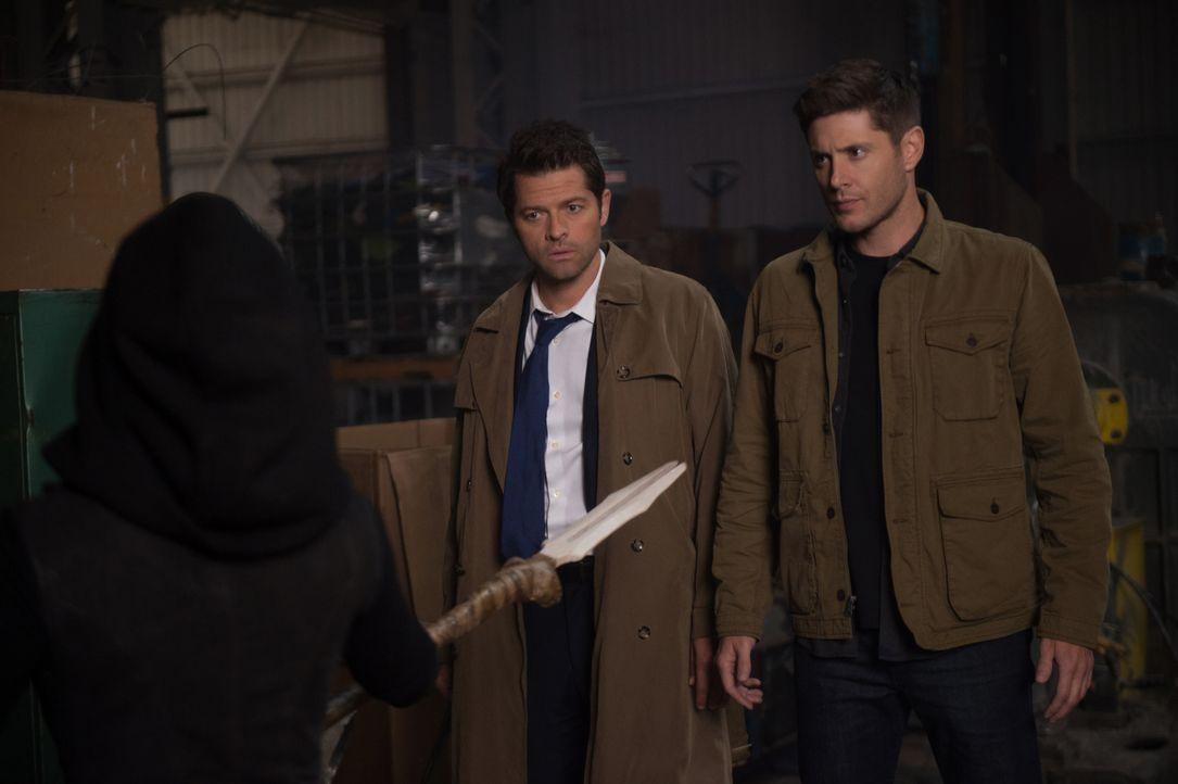 Castiel (Misha Collins, l.); Dean Winchester (Jensen Ackles, r.) - Bildquelle: Diyah Pera 2018 The CW Network, LLC All Rights Reserved / Diyah Pera