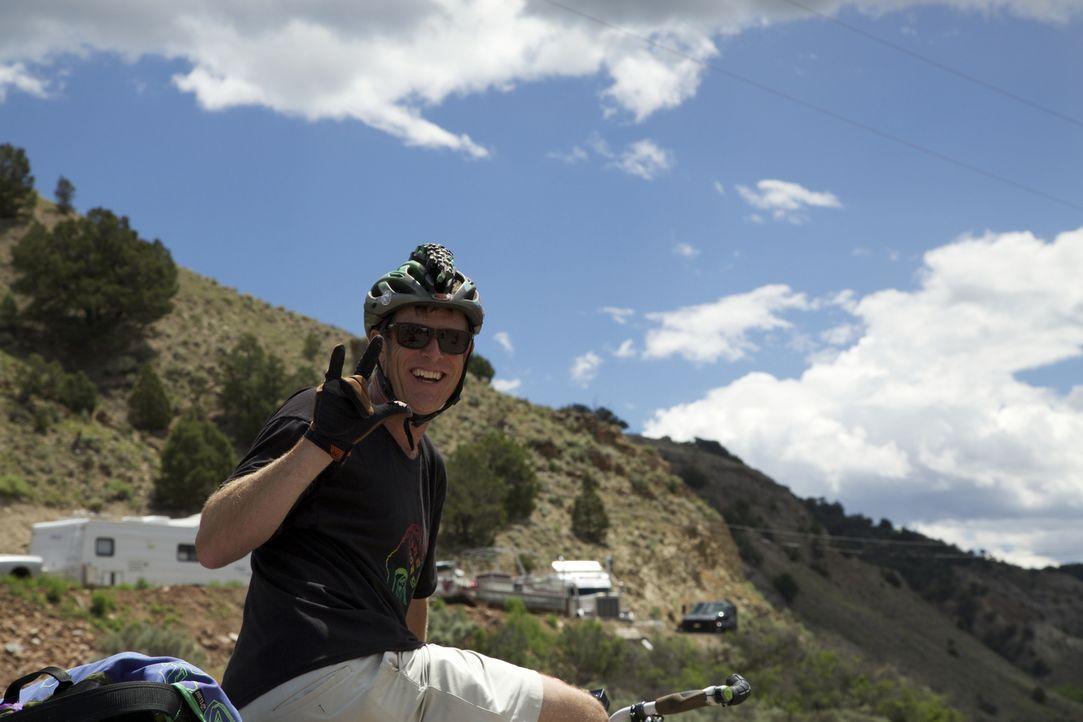 Mountainbiker Steve Novy und seine Freunde nehmen es mit der Wildnis der Rocky Mountains auf. - Bildquelle: 2016,DIY Network/Scripps Networks, LLC. All Rights Reserved.