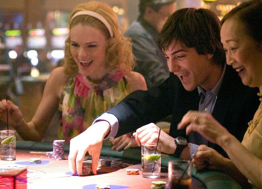 Zunächst läuft bei Ben (Jim Sturgess, M.) und Jill (Kate Bosworth, l.) alles wie geschmiert, doch dann geraten sie ins Visier von Cole Williams, dem... - Bildquelle: CPT Holdings, Inc. All Rights Reserved.