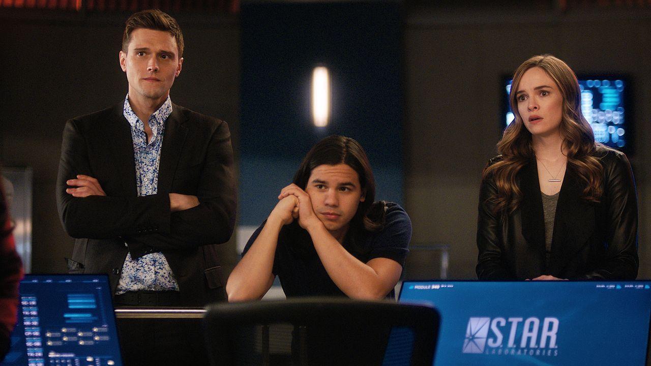 (v.l.n.r.) Ralph (Hartley Sawyer); Cisco (Carlos Valdes); Caitlin (Danielle Panabaker) - Bildquelle: 2018 The CW Network, LLC. All rights reserved.