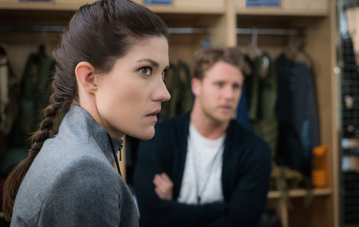Müssen in den eigenen Reihen ermitteln, als 80 NZT-Pillen verschwinden: Brian (Jake McDorman, r.) und Rebecca (Jennifer Carpenter, l.) ... - Bildquelle: Michael Parmelee 2015 CBS Broadcasting, Inc. All Rights Reserved