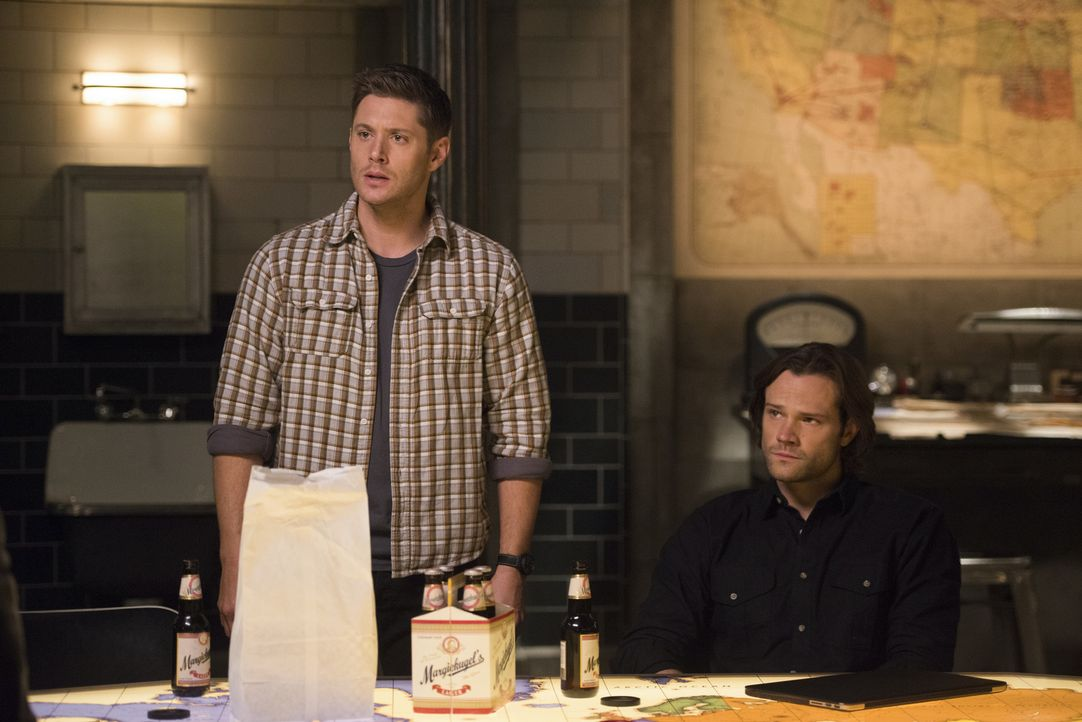 Dean (Jensen Ackles, l.); Sam (Jared Padalecki, r.) - Bildquelle: Diyah Pera 2016 The CW Network, LLC. All Rights Reserved/Diyah Pera