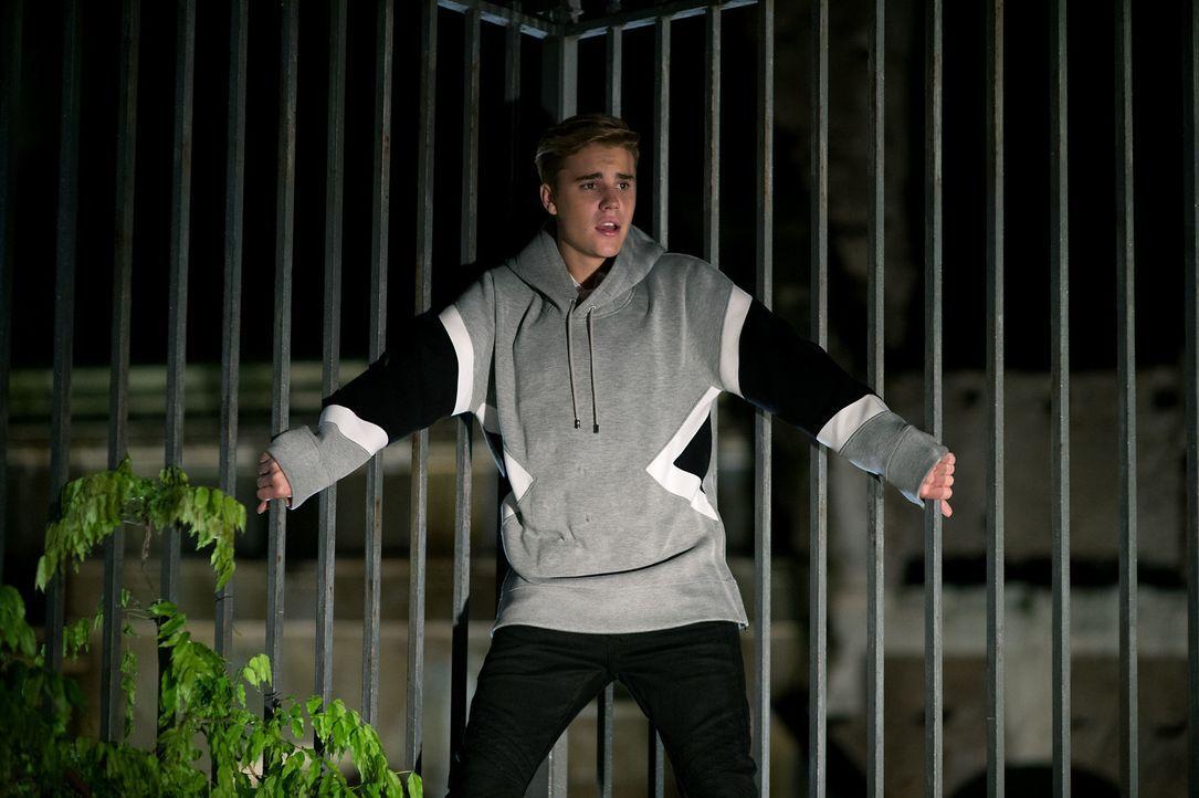 Genau wie einige andere VIPs gerät auch Justin Bieber (Justin Bieber) ins Visier eines furchtbaren Mörders ... - Bildquelle: 2016 Paramount Pictures