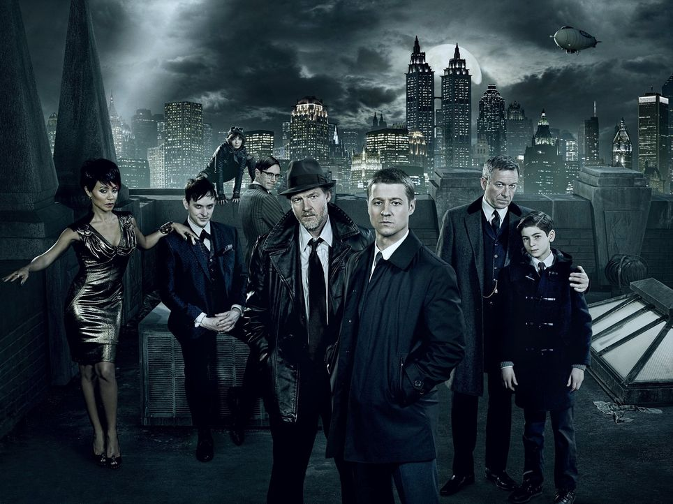 "(1. Staffel) - Gotham: (v.l.n.r.) Fish Mooney (Jada Pinkett Smith), Oswald ""Penguin"" Cobblepot (Robin Lord Taylor), Selina ""Cat"" Kyle (Camren Bicond... - Bildquelle: Warner Bros. Entertainment, Inc."