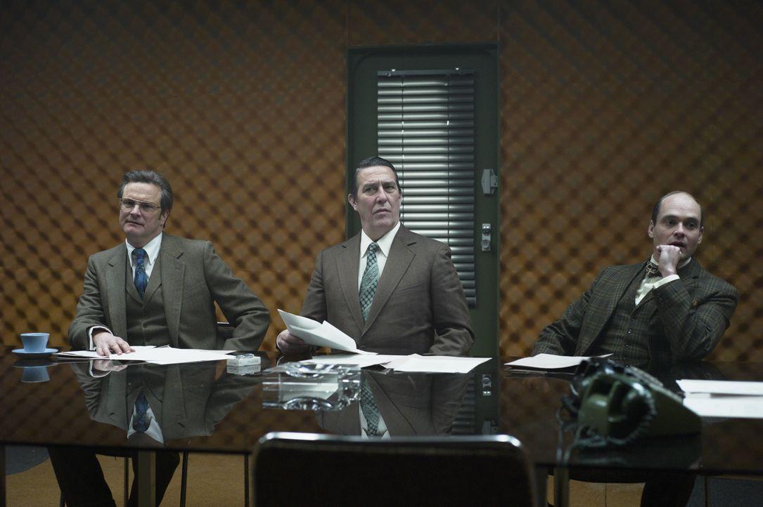 Es könnte jeder sein: Hat Bill Haydon (Colin Firth, l.), Roy Bland (Ciarán Hinds, M.) oder Toby Esterhase (David Dencik, r.) ein dunkles Geheimnis? - Bildquelle: Studiocanal GmbH
