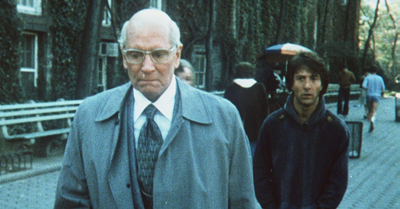Der Nazi-Zahnarzt Dr. Szell (Sir Laurence Olivier, l.) findet in dem Studenten Babe Levy (Dustin Hoffman, r.) einen überraschend hartnäckigen Verf... - Bildquelle: Paramount Pictures
