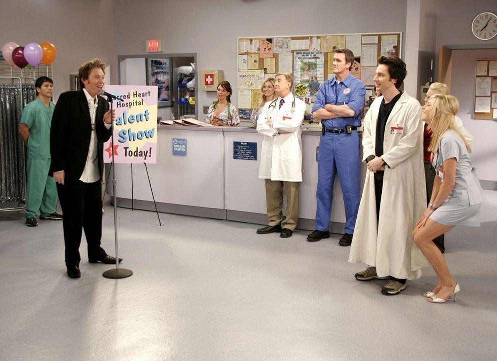 """J.D. (Zach Braff, 2.v.r.) hat einen neuen Patienten namens James Charles, in dem er sofort einen der Autoren seiner Lieblings-Sitcom """"Cheers"""" erkenn... - Bildquelle: Touchstone Television"""