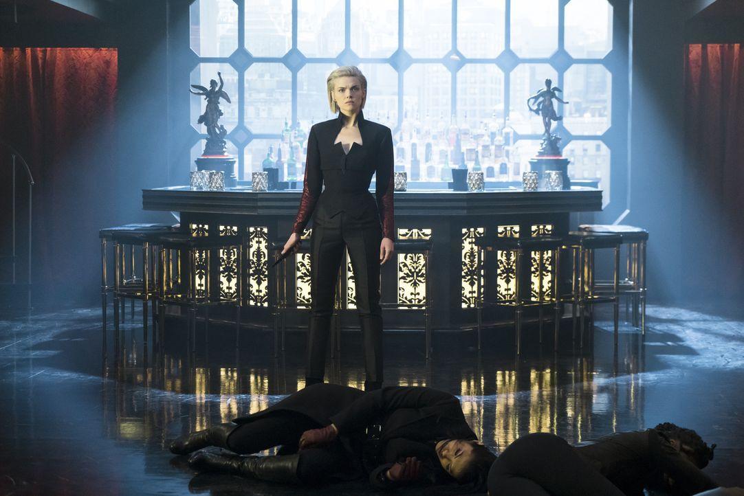 Barbara Kean (Erin Richards) - Bildquelle: 2017 Warner Bros.