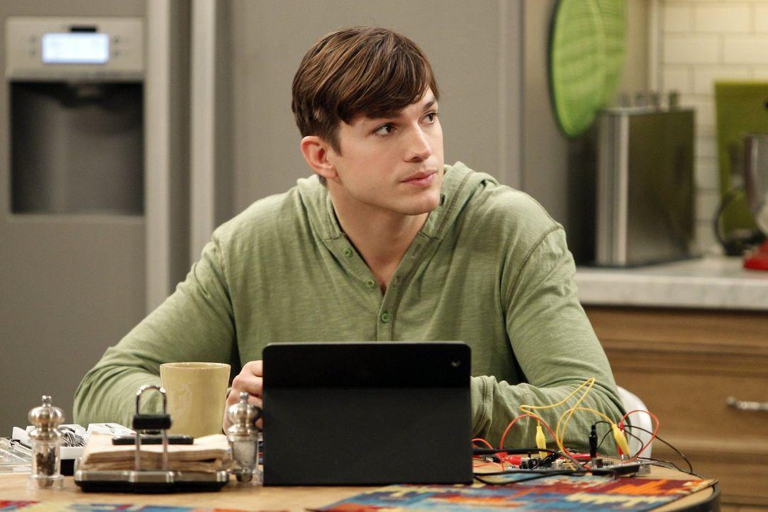 Nachdem Lyndsey mit Alan Schluss gemacht hat, wird Alan zum Stalker. Walden (Ashton Kutcher) versucht alles, ihn davon abzubringen, und hat schließl... - Bildquelle: Warner Brothers Entertainment Inc.
