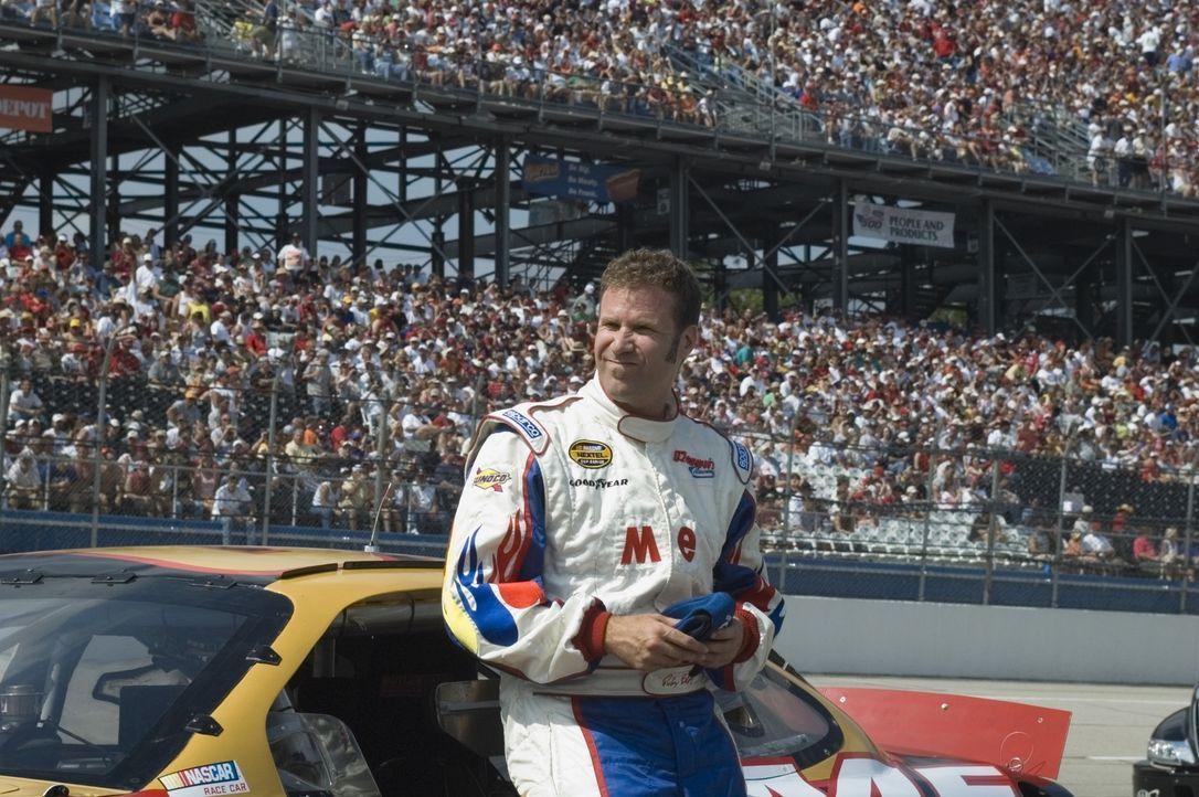 Ricky Bobby (Will Ferrell) ist der am meisten gefeierte Rennfahrer in der amerikanischen Muscle-Car-Liga. Doch dann holt Rickys Rennstallbesitzer de... - Bildquelle: Copyright   2006 Sony Pictures Television International.