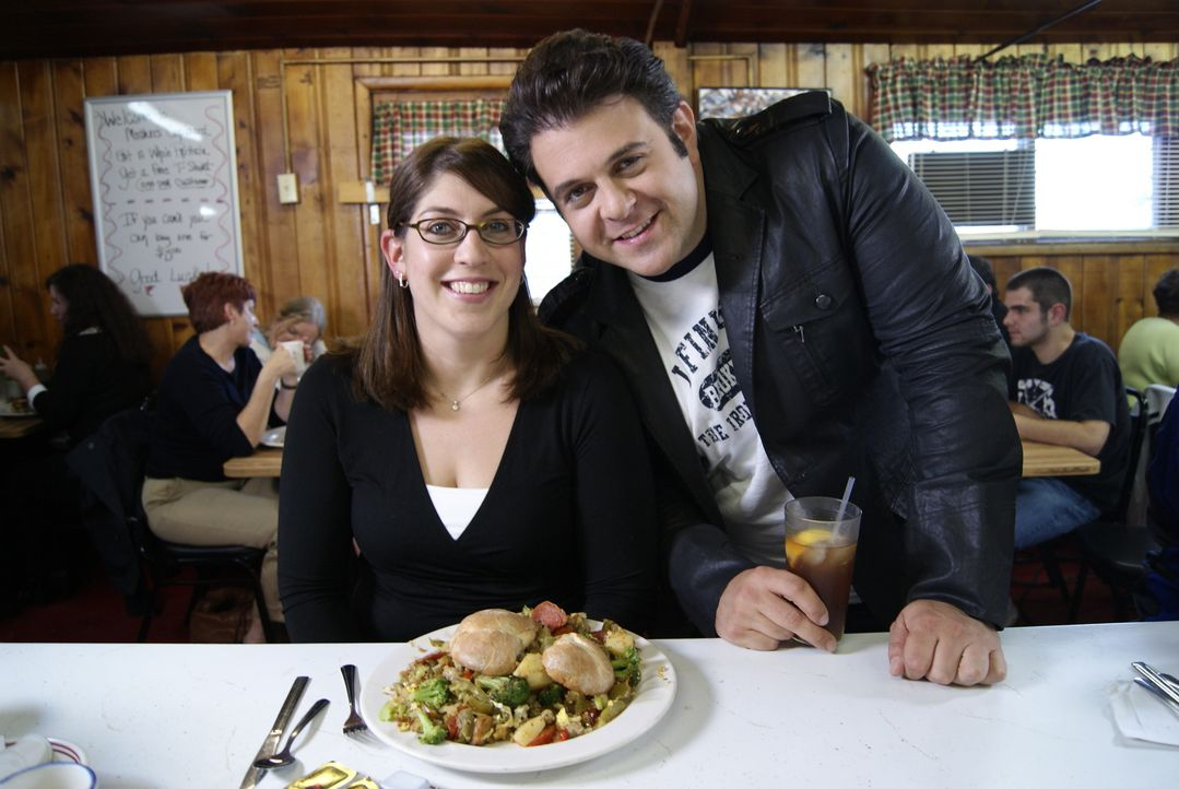 Adam Richman (r.) - Bildquelle: 2009, The Travel Channel, L.L.C./Sharp Entertainment