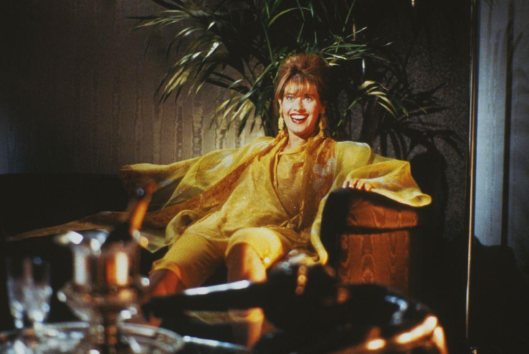 In Amandas (Ellen Barkin) wunderbarem Körper steckt ein Mann - und der möchte am liebsten aus der Haut fahren ...