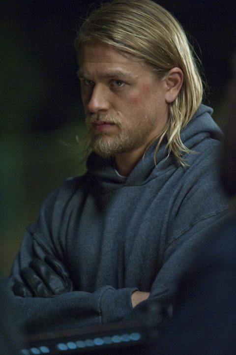 Der Konflikt zwischen Jax (Charlie Hunnam) und Clay spitzt sich zu ... - Bildquelle: 2009 Twentieth Century Fox Film Corporation and Bluebush Productions, LLC. All rights reserved.