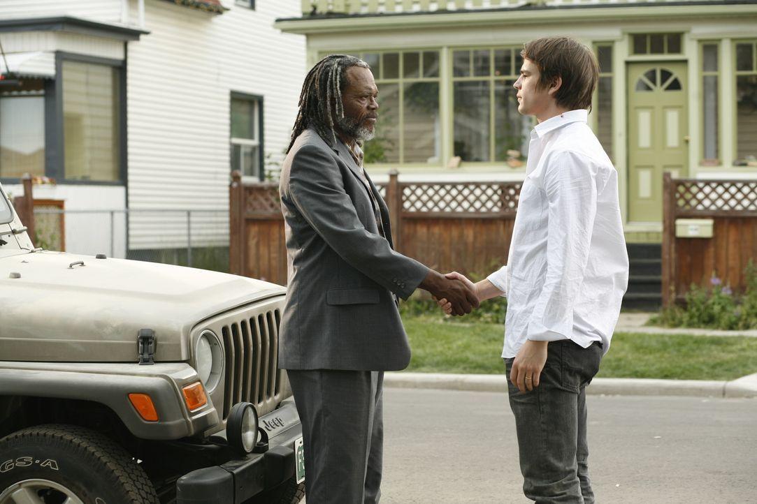 Dank Champ (Samuel L. Jackson, l.) wird Erik Kernan Jr. (Josh Hartnett, r.) zum Starreporter, doch hat er auch wirklich sauber recherchiert?
