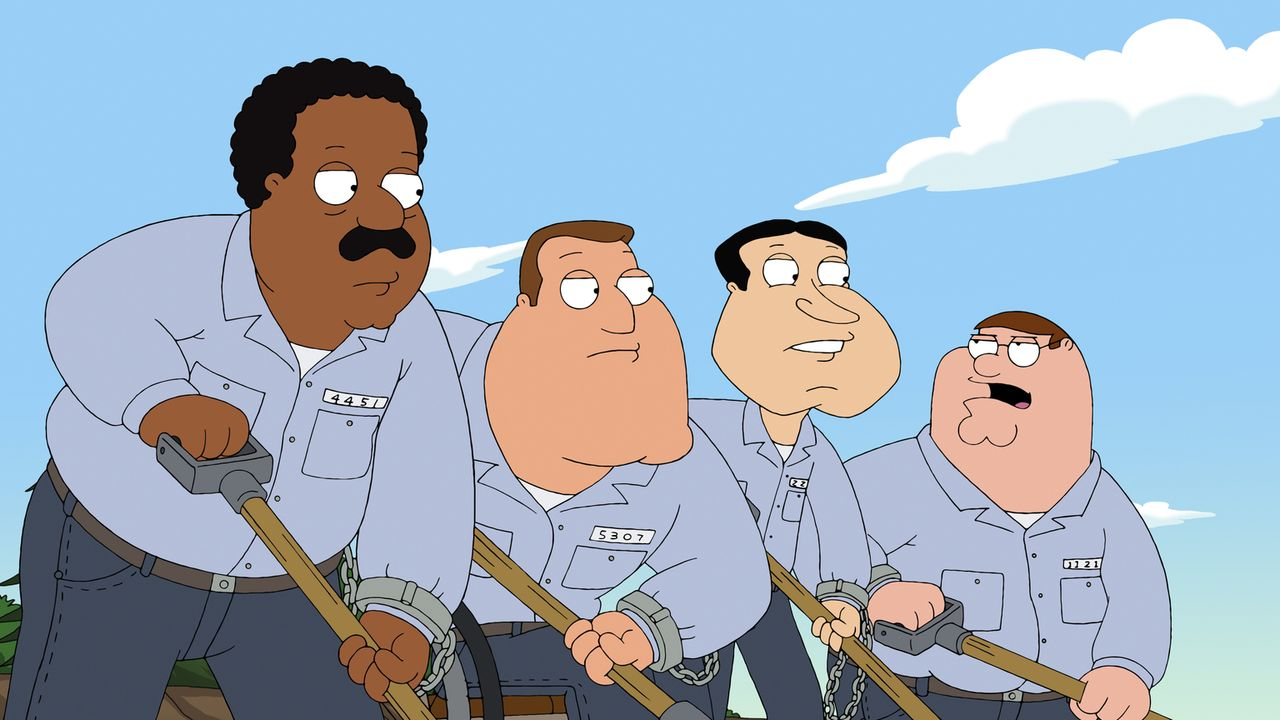 Nachdem sich Peter (r.), Cleveland (l.), Joe (2.v.l.) und Quagmire (2.v.r.) einem Cop gegenüber danebenbenehmen, landen sie im Arbeitslager ... - Bildquelle: 2011 Twentieth Century Fox Film Corporation. All rights reserved.
