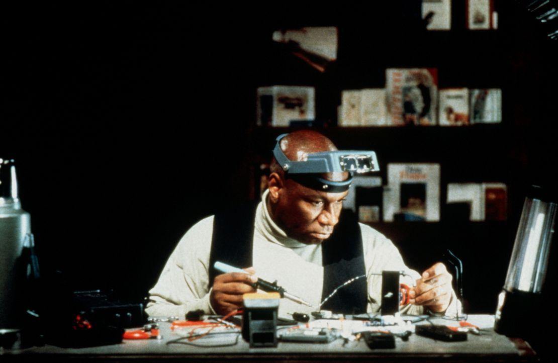 Bei dem Versuch, den Verräter zu entlarven, kann Ethan das Computer-Genie Luther (Ving Rhames)  für sich gewinnen. Für beide beginnt eine schier unm... - Bildquelle: Paramount Pictures