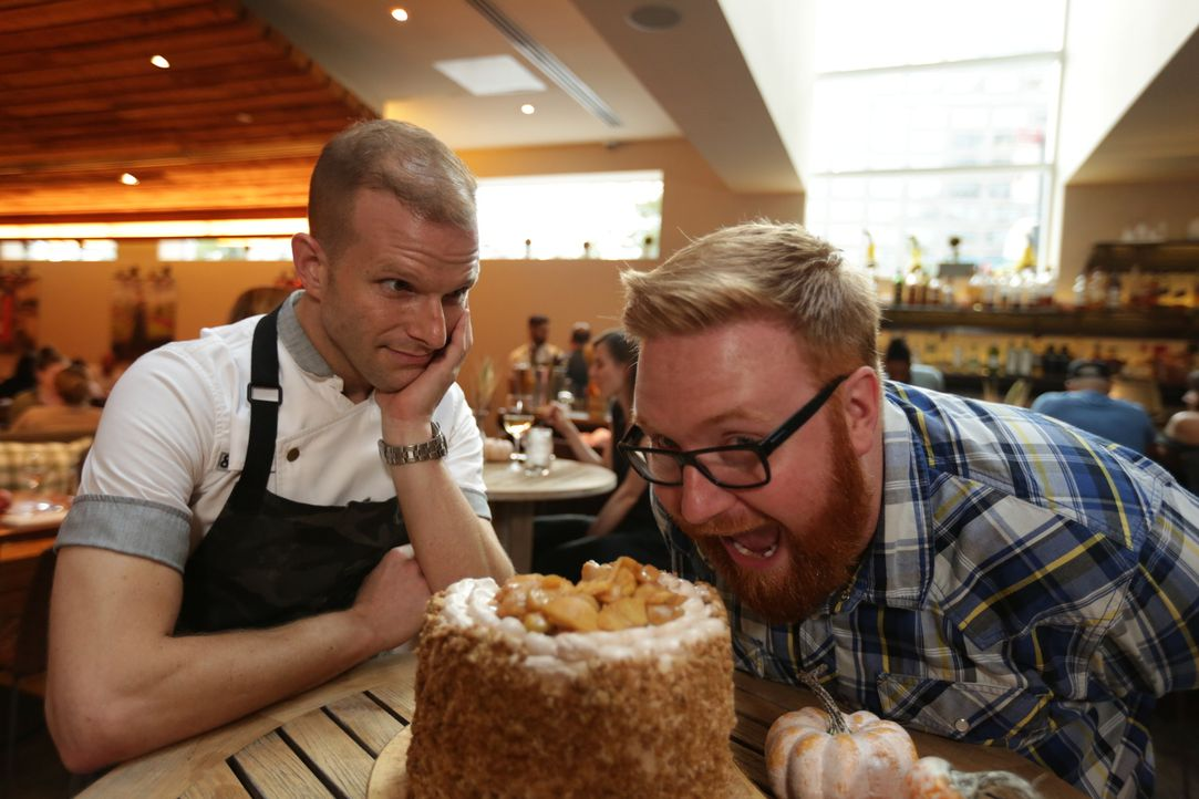 Josh Denny (r.) - Bildquelle: 2017,Television Food Network, G.P. All Rights Reserved