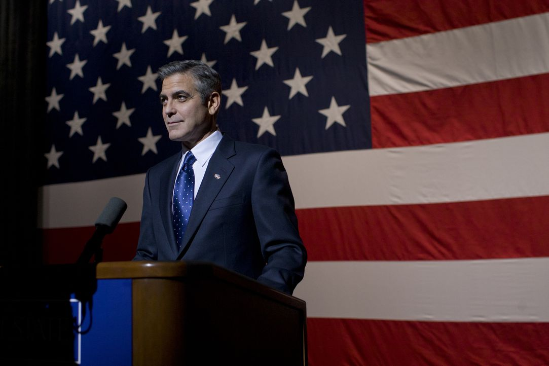 Der charismatische US-Präsidentschaftskandidat Mike Morris (George Clooney) gilt als der große Saubermann in einer Welt, in der Erpressung und Korru... - Bildquelle: Saeed Adyani 2011 IDES FILM HOLDINGS, LLC. ALL RIGHTS RESERVED.