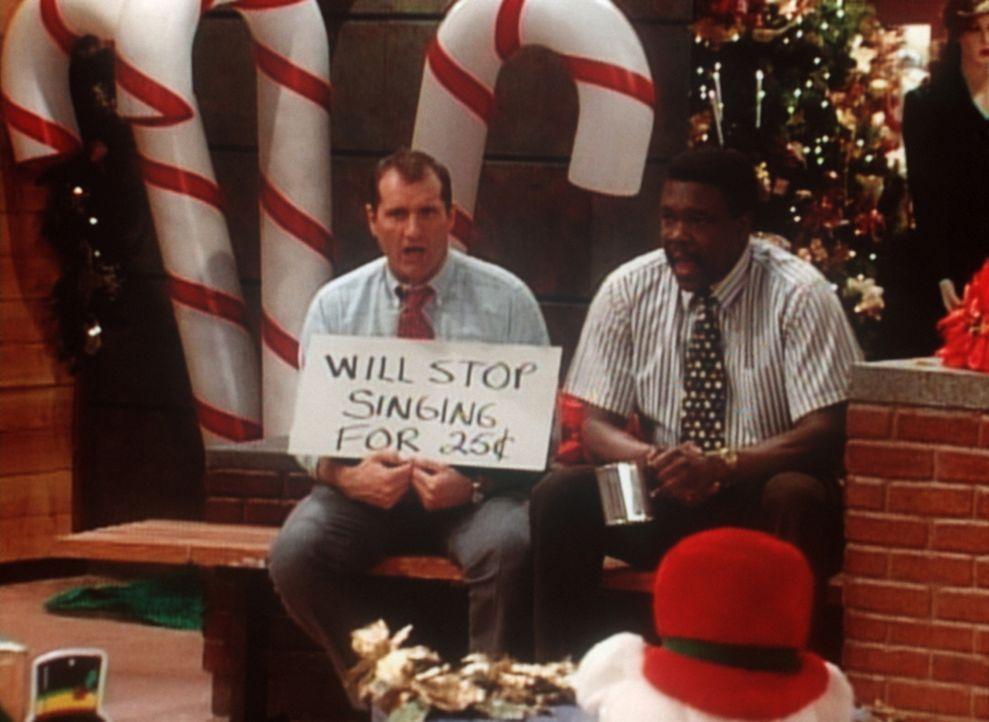 Al (Ed O'Neill, l.) und Griff (Harold Sylvester, r.) sind gefeuert. Aber sie machen sich selbständig und haben eine zündende Geschäftsidee. - Bildquelle: Sony Pictures Television International. All Rights Reserved.