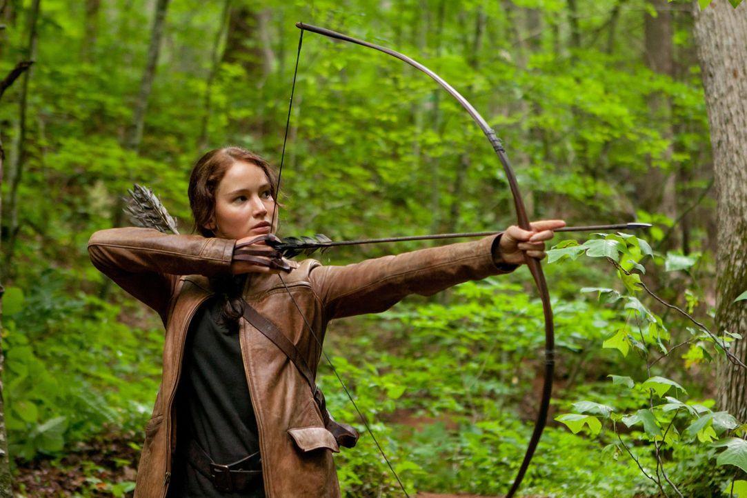 Im Gegensatz zu Peeta ist Katniss (Jennifer Lawrence) eine hervorragende Bogenschützin und eine gute Jägerin. Wird ihr dies zugutekommen in dem mörd... - Bildquelle: Studiocanal GmbH