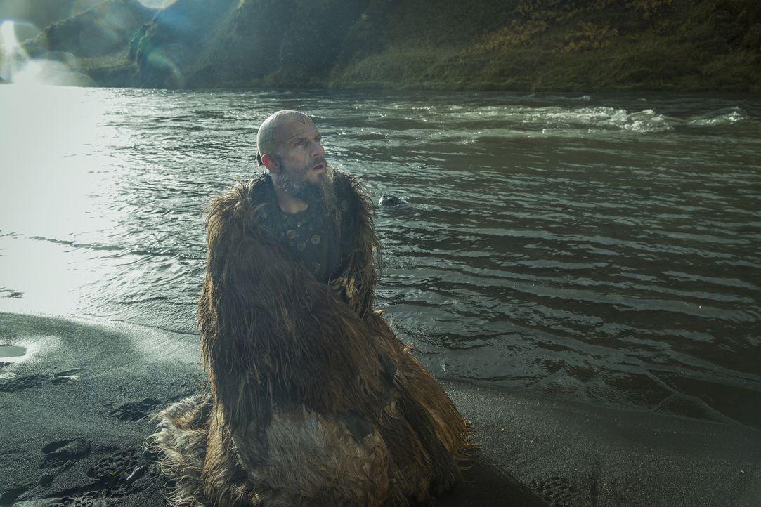 Floki (Gustaf Skarsgård) begibt sich auf eine Reise, die sich für ihn zu einer spirituellen Odyssee entwickelt, bei der er ein faszinierendes neues... - Bildquelle: Arnaldur Halldórsson 2017 TM PRODUCTIONS LIMITED / T5 VIKINGS III PRODUCTIONS INC. ALL RIGHTS RESERVED.