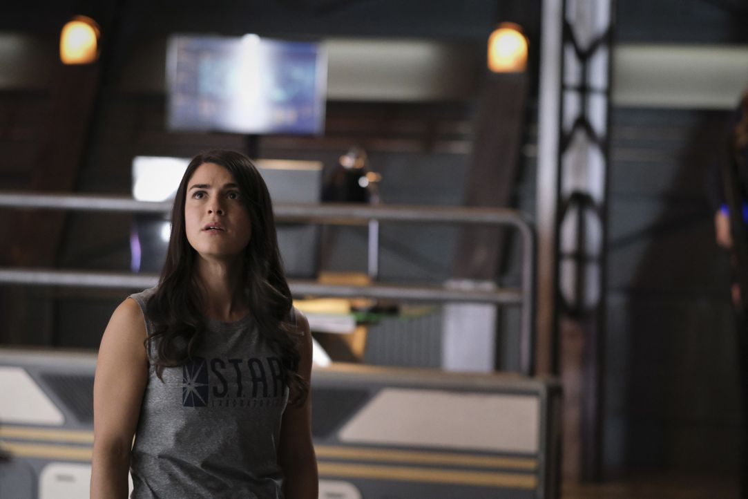 Alexa Rivera (Sara Garcia) - Bildquelle: Warner Bros. Entertainment Inc. All Rights Reserved.