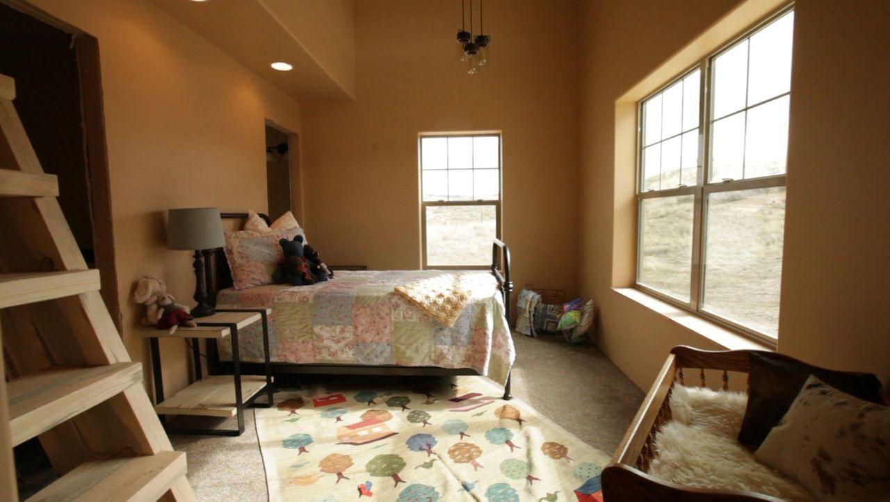 Mit viel Liebe zum Detail und vor allem viel Fleiß haben sich die Smiths ein gemütliches Zuhause im bitterkalten Montana, im Nordwesten der USA, ers... - Bildquelle: 2016,DIY Network/Scripps Networks, LLC. All Rights Reserved