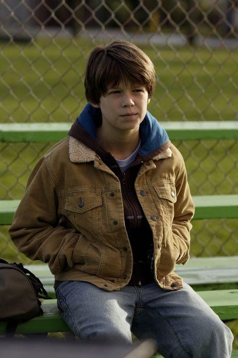 Rückblick: Sam (Colin Ford) wurde vom Schulhofschläger schikaniert, während Dean sehr beliebt war ... - Bildquelle: Warner Bros. Television