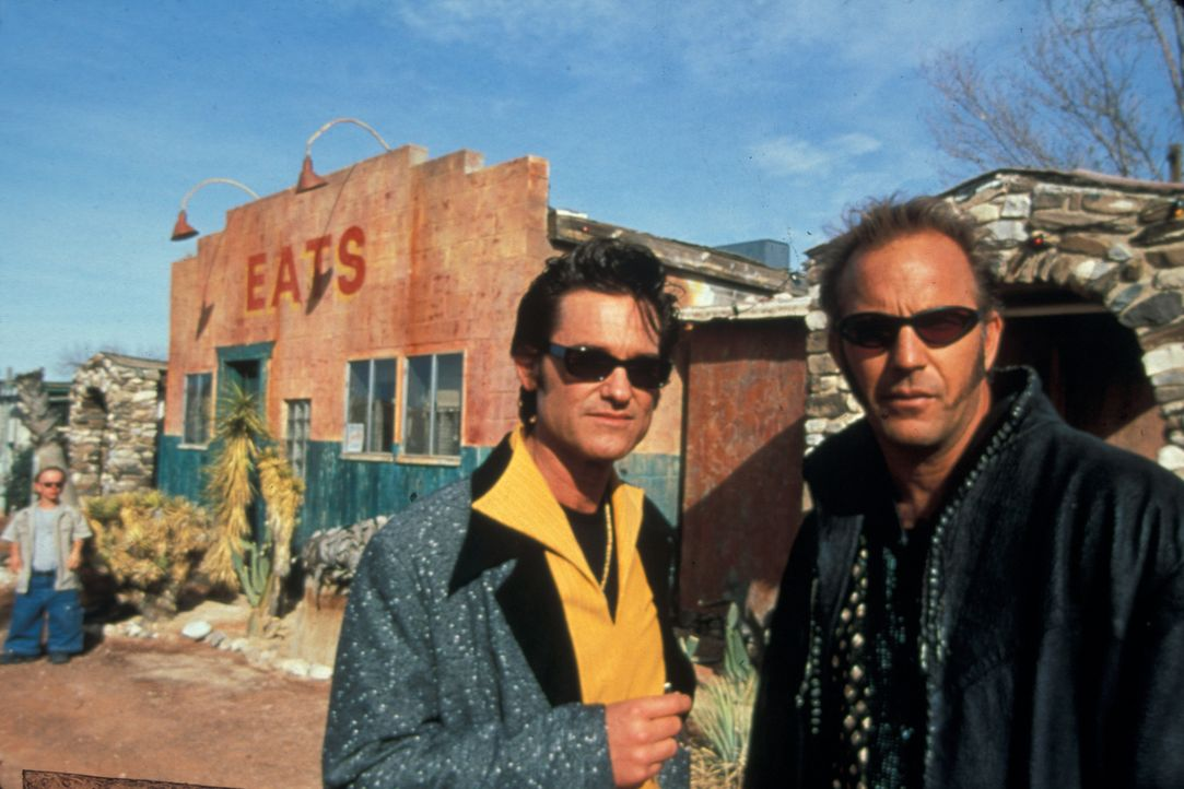 Während der Internationalen Elvis-Woche wollen Michael Zane (Kurt Russell, l.) und Thomas Murphy (Kevin Costner, r.) mit Hilfe dreier Komplizen, das... - Bildquelle: Francise Pictures