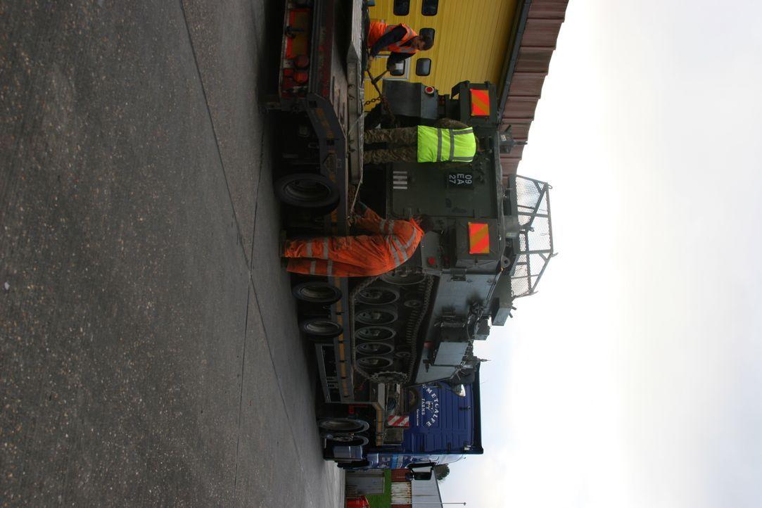 Militärfahrzeuge für Paderborn - Bildquelle: MMXVII DNI Global LLP