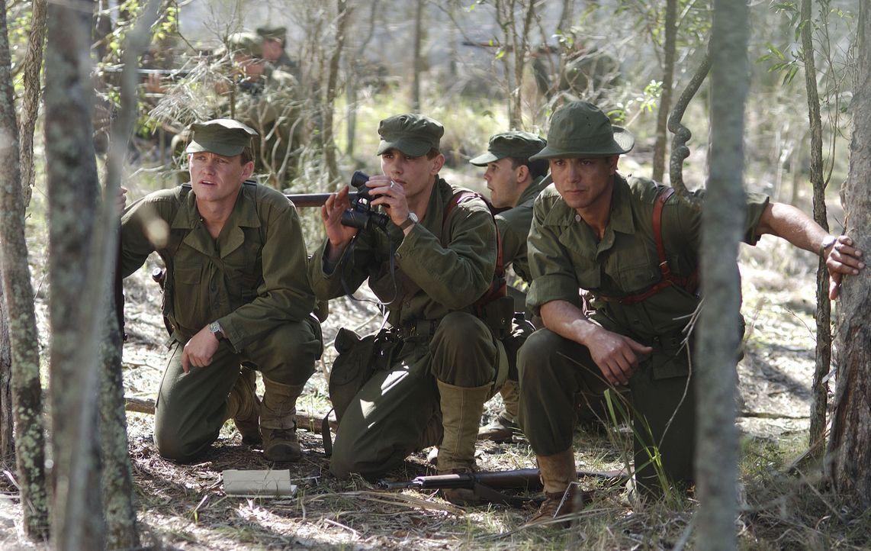 Colonel Mucci (Benjamin Bratt, r.) und die Soldaten Foley (Freddie Joe Farnsworth, l.) und Prince (James Franco, M.) wagen das Unmögliche: Sie versu... - Bildquelle: Buena Vista International