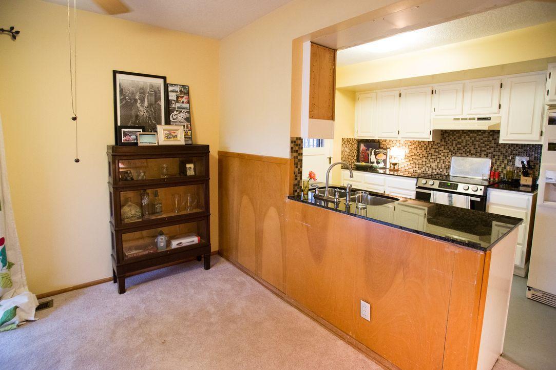 Der Bauunternehmer Josh Temple wird dieses Mal die altmodische Küche, inklusive der Kücheninsel und dem restlichen Wohnzimmer in Angriff nehmen und... - Bildquelle: Fritz Liedtke 2013, HGTV/ Scripps Networks, LLC. All Rights Reserved.