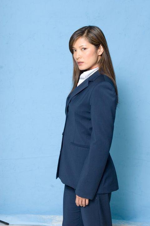 Begibt sich auf Flug zwischen Leben und Tod: die junge Stewardess Sharon (Kelly Hu) ... - Bildquelle: Columbia Broadcasting System