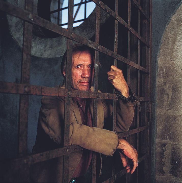 Ein neuer Insasse des Red Rock Territorial Prison, Mike Sullivan (David Carradine), stellt sich als alter Freund des Direktors heraus --- - Bildquelle: Paramount Pictures