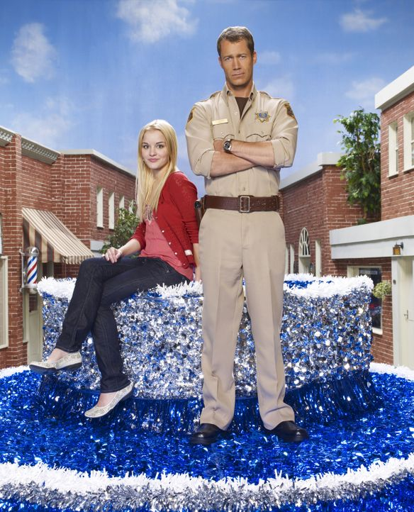 (3. Staffel) - Jack Carter (Colin Ferguson, r.) und seine Tochter Zoe (Jordan Hinson, l.) leben in Eureka, einem kleinen Städtchen, in dem nichts no... - Bildquelle: Universal Television